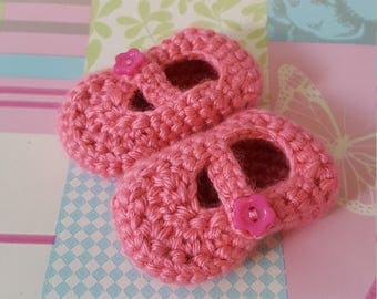 Baby shoes, crocheted baby shoes, newborn baby shoes, Mary Jane shoes, baby booties, crocheted baby booties, baby shower, baby gift