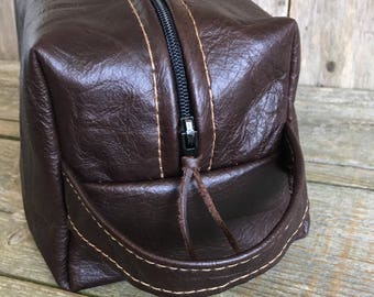 Mens leather toiletries bag, gifts for him, leather washbag, mens toiletries bag, mens gifts, mens grooming bag, Dopp kit