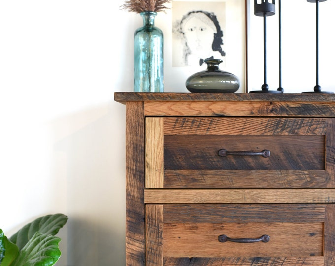reclaimed wood lacquer 3drawer dresser
