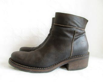 vintage italian dark brown oiled nubuck leather zip up ankle boots, size : EU 40 / US women's 9 / US men's 7 1/2