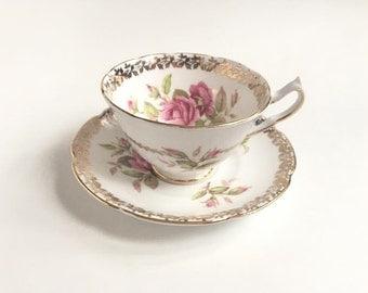 VINTAGE Collingwoods Bone China Teacup, 1940s Pink Roses