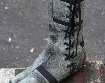 Leather Spiral Tabi Boots - Antique Gray- Ninja Style Split Toe - Hand Made Premium Leather - Specialized Flex Sole - Cosplay Martial Arts