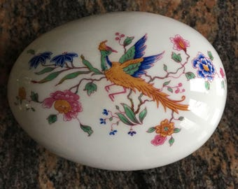 Hammersley trinket box, egg shaped Bird of Paradise and flowers fine bone china made in England jewelry holder  lidded bowl vintage 1939