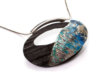 Oval necklace with ebony, silver and enamel
