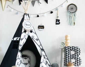 tipi noir blanc etsy. Black Bedroom Furniture Sets. Home Design Ideas