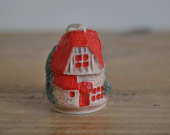 Vintage thimble - 3D hand painted - House