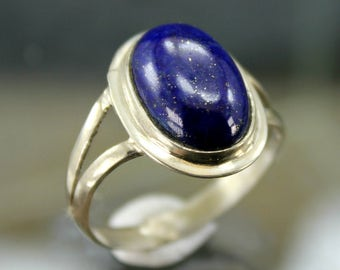 925 Sterling Silver Ring with Genuine Lapis Lauzli