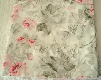 """Vintage Laura Ashley Valance Pink Rose Self-Lined 17 1/2"""" Long 82"""" Wide Shabby Cottage Chic"""