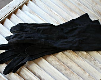 Vintage! Gloves. Leather. Cute gloves! Black. 1960s.