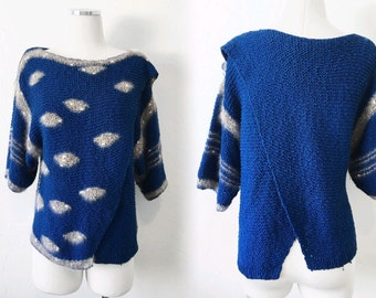 vtg BLUE & GRAY eye sweater - crossover graphic knit - SLOUCH - sz S M