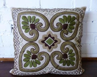 Retro Embroidered Scatter Cushion