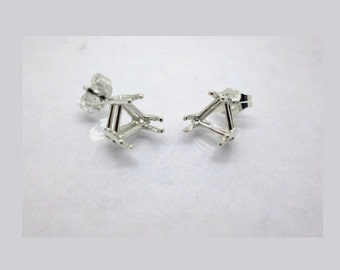 5mm - 9mm Trinagle / Trillion Pre-Notched Sterling Silver Earring Settings ( 1 Pair )