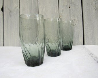 Green Tumbler glasses, Green water glasses, Tall swirly green glassware, vintage glasses, set of 3 barware glasses, retro barware