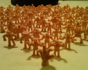 M.u.s.c.l.e. Men Lot of 113 Muscle Figures 1985 First Series