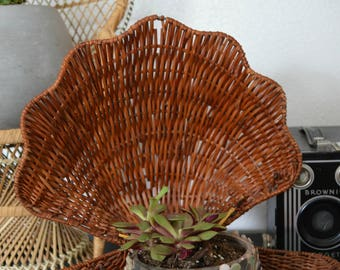 Vintage Wicker Clam Shell