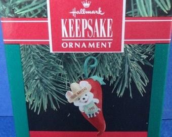1990 Feliz Navidad Hallmark Retired Ornament