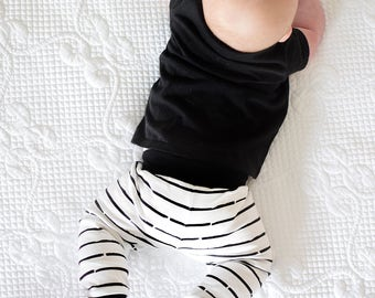 Black and White Stripe Baby Leggings Newborn 0-3 Months