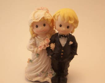 Vintage Wedding Couple Cake Topper