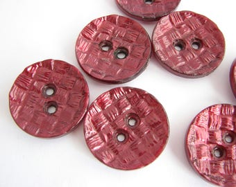 """Purple textured buttons, 7 vintage plastic buttons fro 1960s, 28 mm - 1 1/8"""" across, unused!!"""