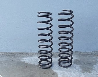 Industrial Spring / Black Coil Over Spring / Garden Decor / Diy Lamp Table Supply / Salvage Vintage Industrial style / Rustic Supply