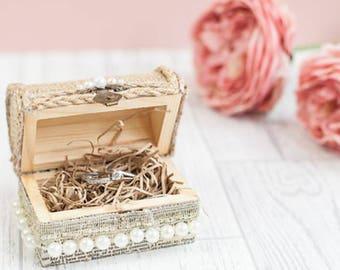 Rustic wedding ring box, wedding ring holder, wedding ring pillow, ring box wedding,  ring bearer box, wooden ring box, country wedding idea