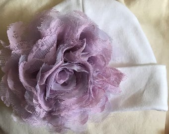 Baby hat Beanie. White Hat with Pretty Lavender large Flower. Great Gift. Perfect Going Home Hat! Fits 0-3 Months. Mom will love. Cute!