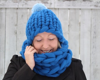 Set - Ultra Chunky Hat with Pom Pom and Cowl - Wedgewood Blue - One of a Kind - Ready to Ship - Merino Big Stitch Hat - 105-1/2