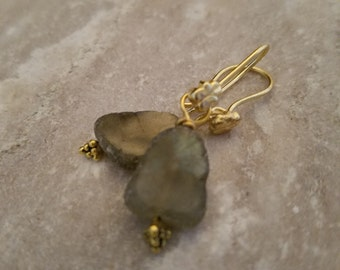 Gold with Labradorite slices