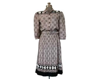 Vintage 1980s Breli Originals Black, White and Taupe Floral & Abstract Print Dress w/ Belt (12)