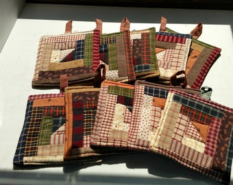 Prim Quilted Pot Holders