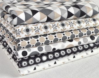 Set of 6 patchwork fabric patches black and white 50 x 50 cm