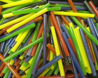 200 colored mini glue sticks