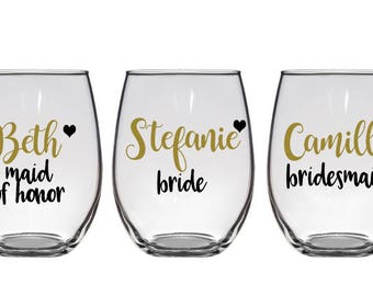 3 Personalized Bridesmaid Glasses, Bridesmaid Wine Glass, Maid of Honor Glass, Bachelorette Party Wine Glasses, bridesmaid wine glasses