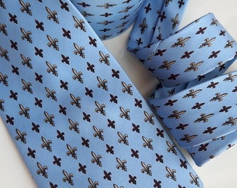 Vintage blue fleur de lis silk tie