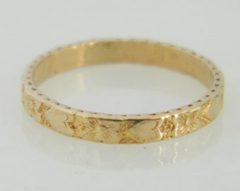 Beautiful Vintage Floral Baby Ring 10K Yellow Gold