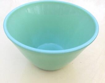 Fireking Jadeite Splash Proof Bowl 7.5 vintage