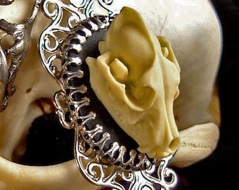 Collier Gothique avec crâne de Loup - Camée en Résine - Loup Garou - Pleine Lune - Anatomie - Taxidermie - Victorien - Goth - Bijouterie
