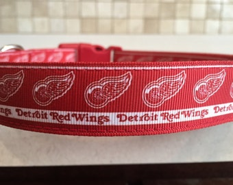 Detroit Red Wings Large and Medium Dog Collar with Optional Matching Leash