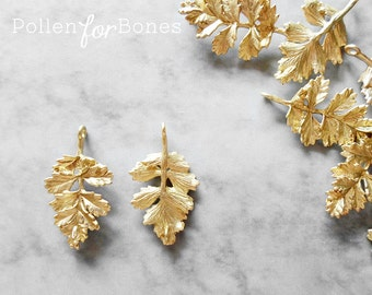 2pcs ∙ Matte Gold Intricate Fern Leaves Connector Botanical Leaf Pendant Nature Earrings Plant Jewelry Supplies
