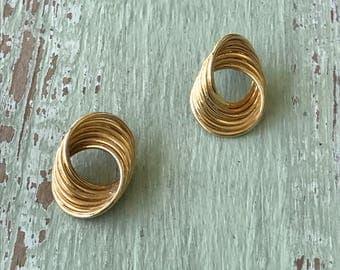 Vintage Earrings, Post Earrings, Gold Earrings, Gold Swirl Earrings, Pierced Earrings, Vintage Pierced Earrings, Earrings, Gold Post Earring