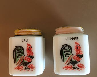 Milk glass salt and pepper shakers, vintage, rooster design