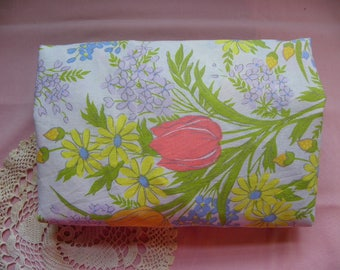 Vintage • Spring Floral Tulips & Wild Flowers Twin Fitted Single Bed Sheet   Twin Fitted Sheets   Home Decor Linens