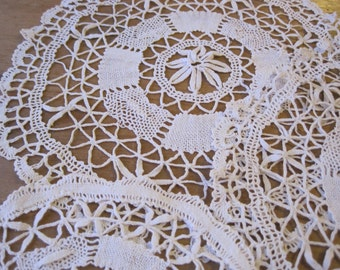 Set of Vintage ivory Bobbin Lace Doilies , Cottage Style