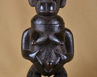 Statuette female gorilla, Tobacco jar - Tribe BULU BULU (Bulu Bulu) comes from Cameroon