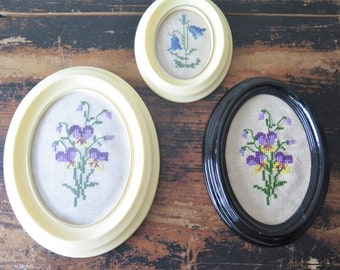 Vintage Embroidered Wall Pictures Set of 3 Framed Wall Hangings Oval Embroideries Cottage Shabby Decors #3-05