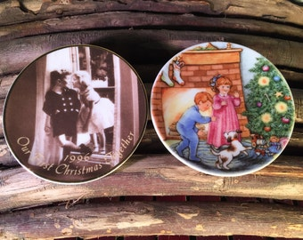 Set of Two Vintage Hallmark Portrait Plate Christmas Holiday Ornaments 1989 Morning of Wonder 1996 A Beautiful Beginning - Gifts Under 10