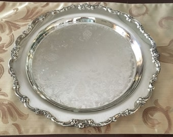 """Lunt Silverplate Tray 13"""" Round Tray"""