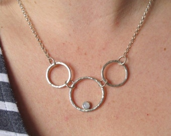 Necklace with 3 hammered circles and pale agate stone