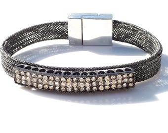 Stunning Sparkly Wire Mesh Cuff Bracelet with Clear Crystal Rhinestone Bar In Gunmetal and Black