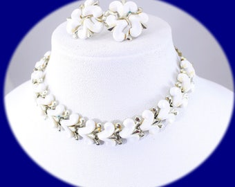 Vintage Jewelry Set Charel Jewelry Set Chocker Earrings White lucite Gold Tone   Choker Necklace Vintage Necklace Vintage Chocker